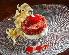Tartar de atún marinado en kimchi